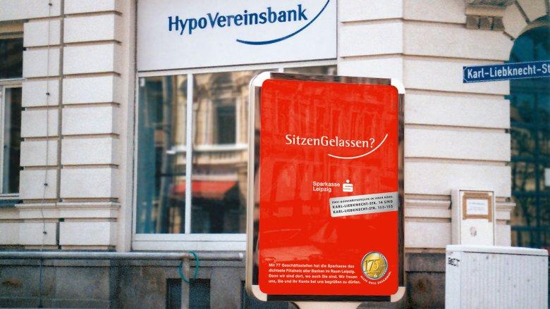 """Sparkasse Leipzig Poster """"SitzenGelassen?"""""""